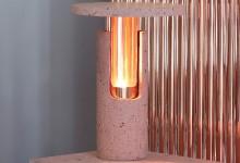 Стол с янтарной подсветкой