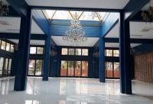Потолок в банкетном зале загородного дома