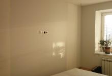 Чистый холст. А как бы вы оформили стену в спальне напротив кровати?