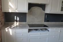 Кухонная столешница из гранита Гималай Вайт