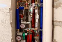 Ещё один вариант расположения трубопровода в санузле. Сто шестнадцатая часть.