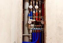 Ещё один вариант расположения трубопровода в санузле. Сто тринадцатая часть.