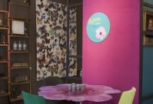 Яркий цветочный акцент: стол-букет