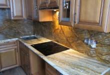 Кухонная столешница с фартуком