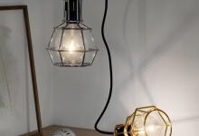 Гаражная лампа в интерьере дома