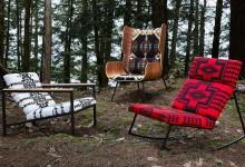 Современные кресла в яркой обивке
