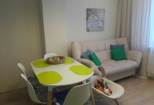 Зеленая кухня, которой не хватает уюта((