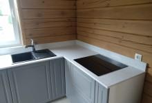 Кухонная столешница в загородном доие