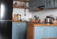 Квартира с авторской мебелью: кухня