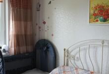 Небольшие обновки для спальни, добавим красок