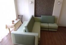 Необычный диван, часть 2. Попытка зонировать квартиру-студию.