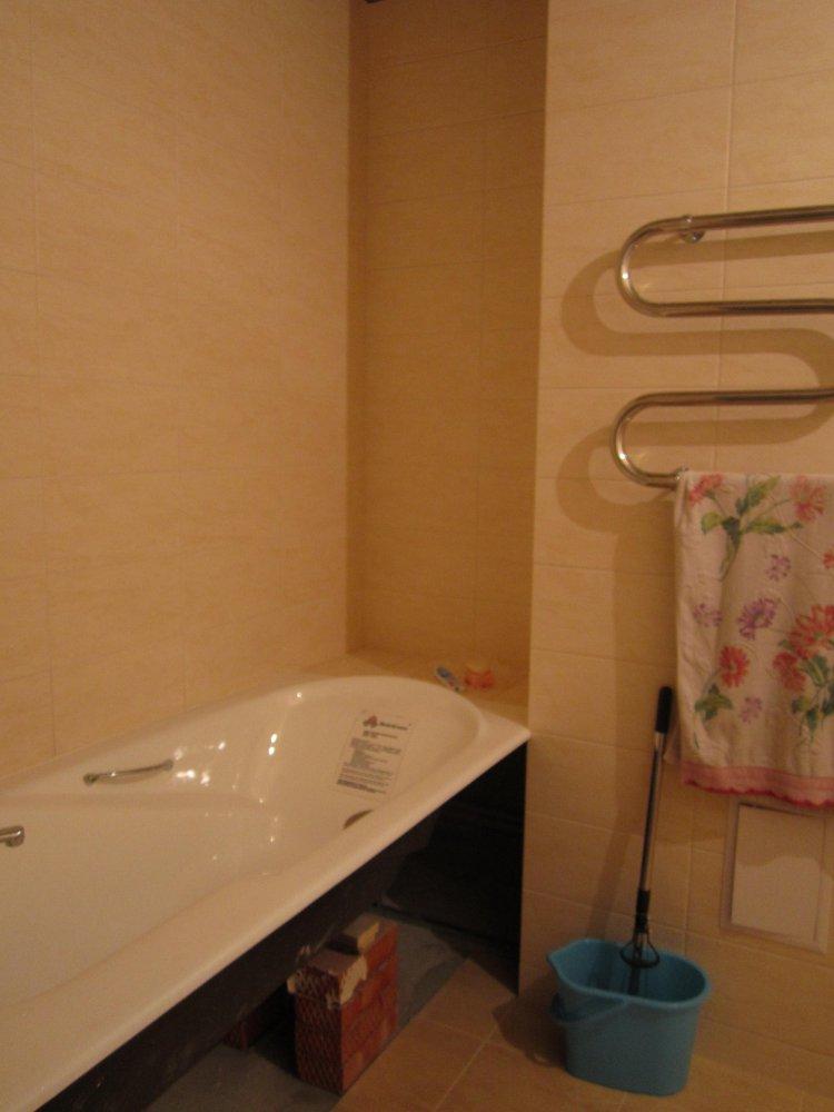 Фото крашенных ванных комнат Биде подвесное Villeroy & Boch Omnia Architectura 5484 0001 alpin