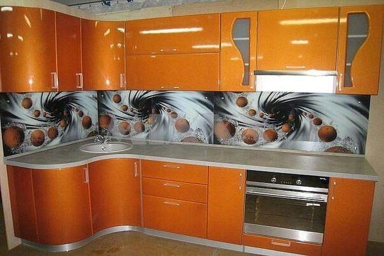 фото оранжевого цвета кухни