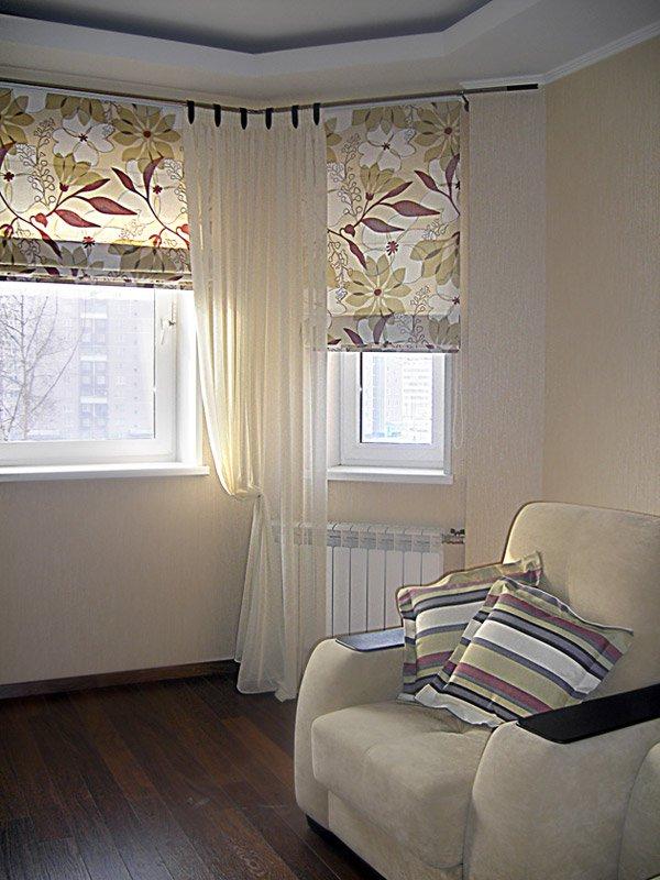 оформление окон в гостиной фото