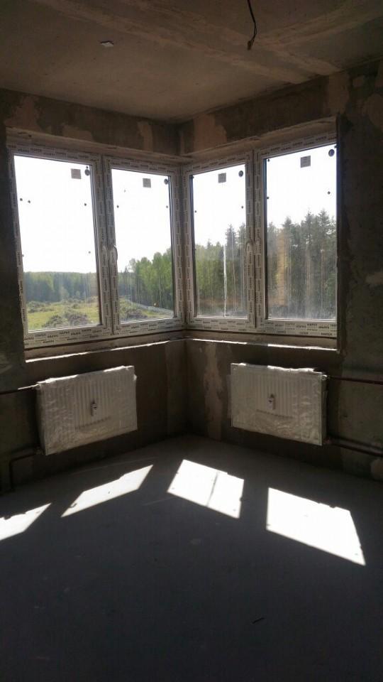 угловое окно в комнате 13квм