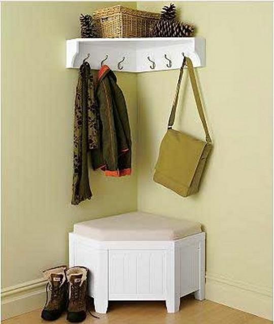 Фото 5 - Интерьер маленького коридора может составлять и один предмет мебел