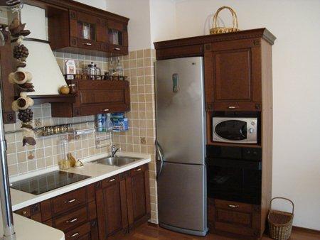 Кухонный гарнитур с холодильником фото