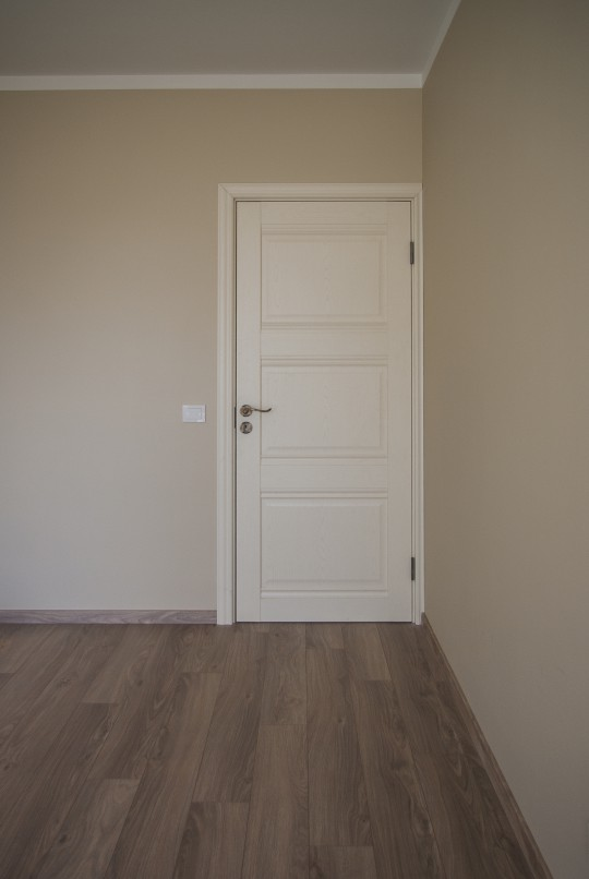 светлые двери светлый пол